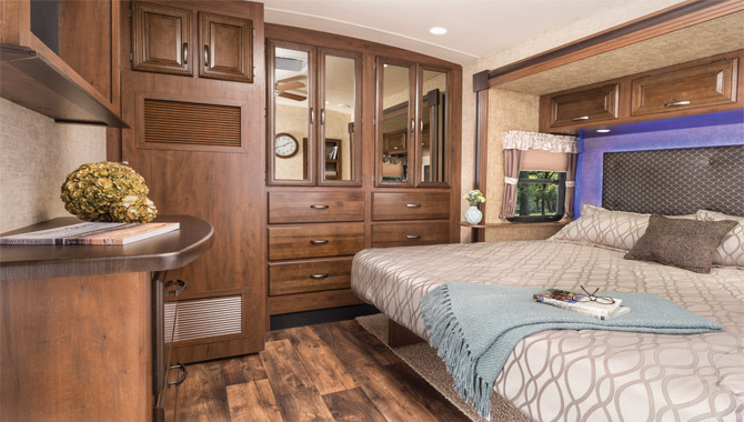 Pleasant Rv Floor Plans Two Queen Beds Layout Rv Wholesale Download Free Architecture Designs Lukepmadebymaigaardcom